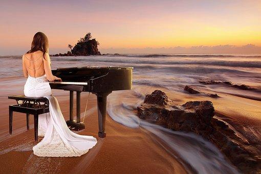 Piano Beach1